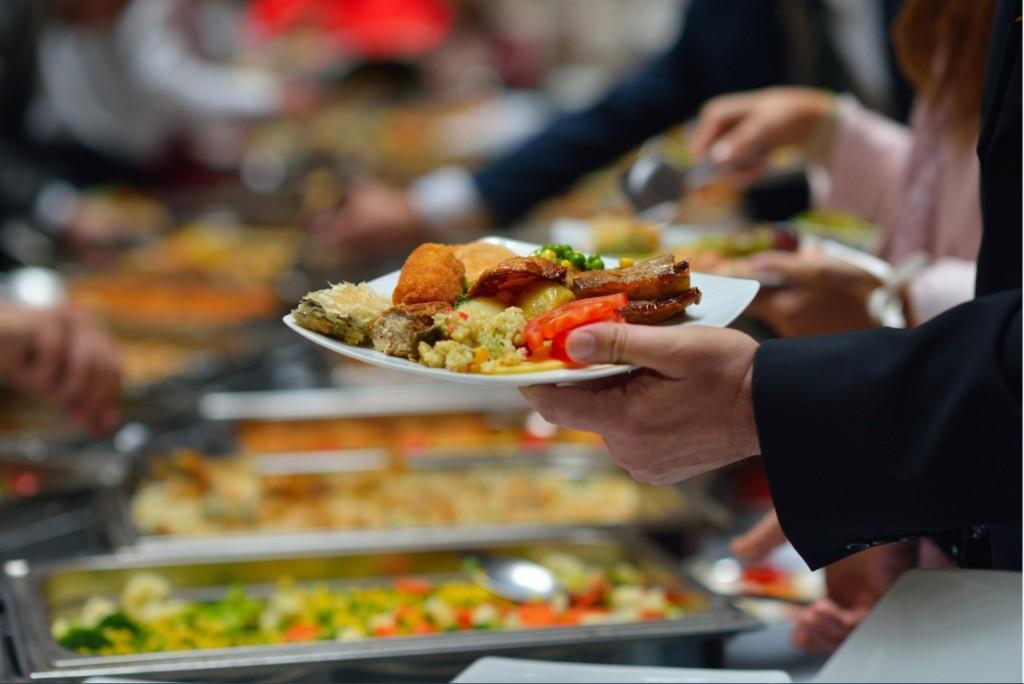 Les buffet offrent le choix, la  variété;;;