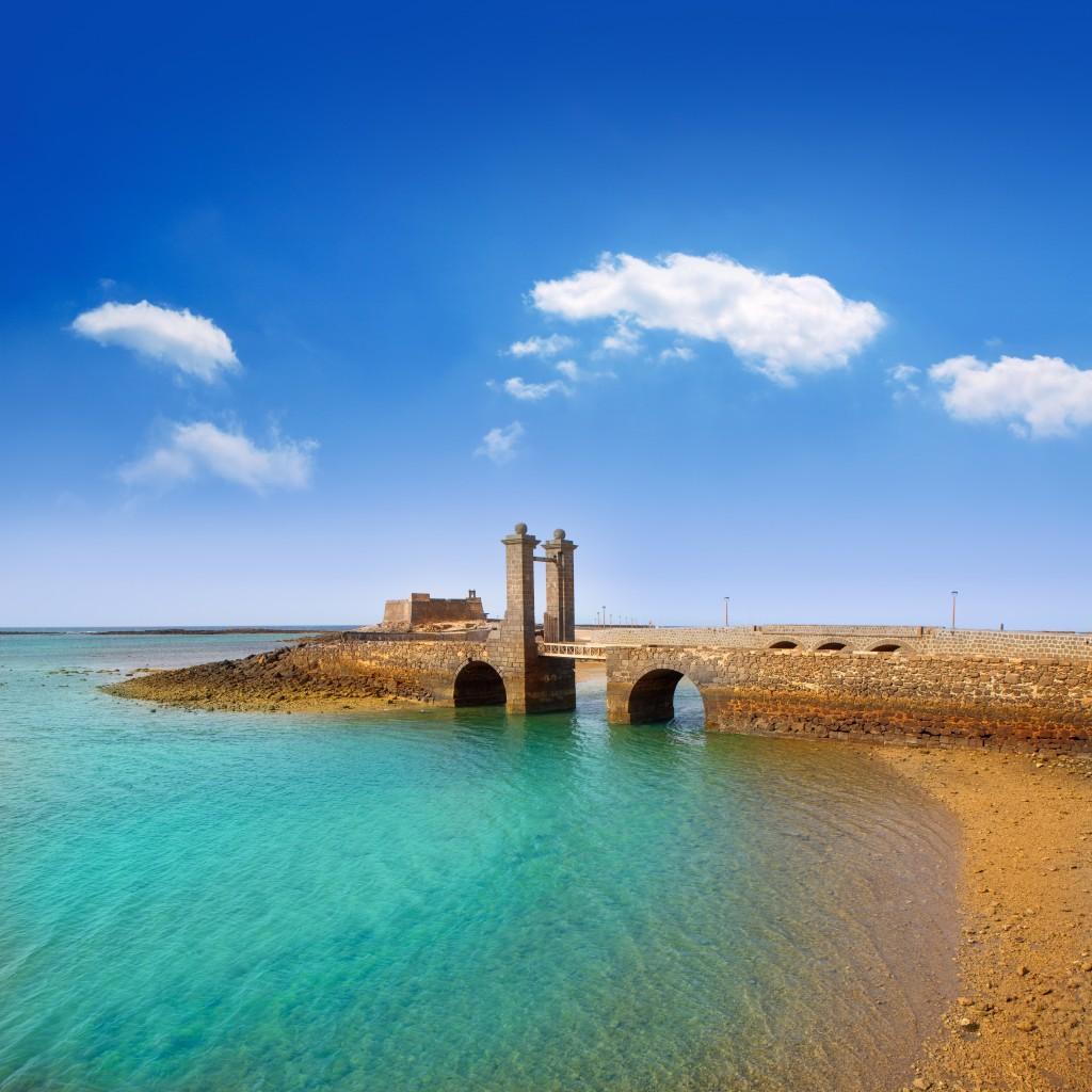 Château fort San Gabriel et le pont de las Bolas, Arrecife Lanzarote ( Iles Canaries)