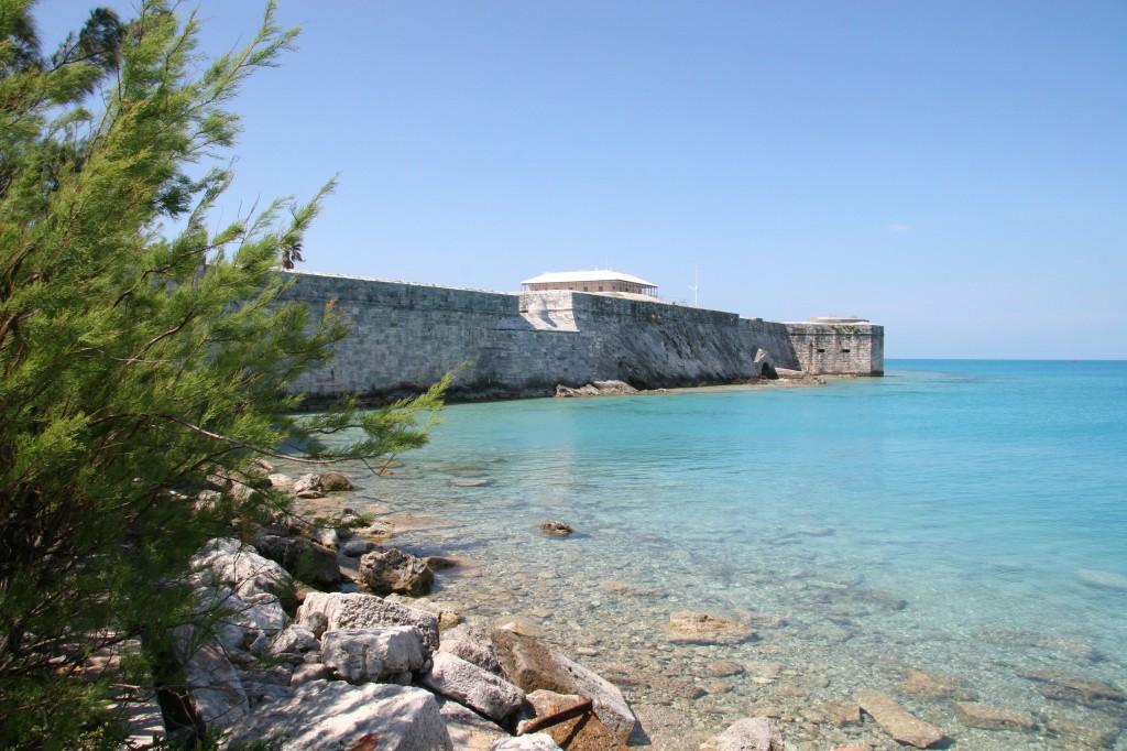 Les murailles du port de Hamilton a Bermudes