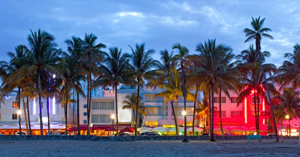 Coucher de soleil sur Ocean Drive, Miami Beach
